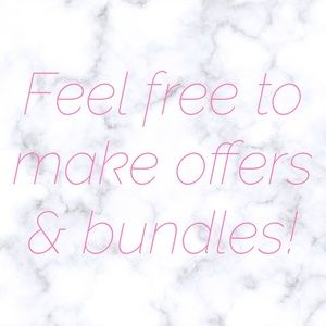 💕 OPEN TO OFFERS & BUNDLES 💕